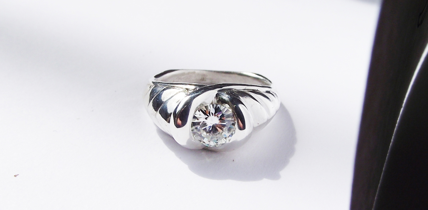 Custom Engagement and Wedding ring2_DSCF9286